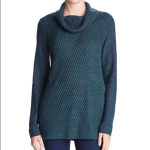 Nic and zoe green long sleeve cowl neck sweater